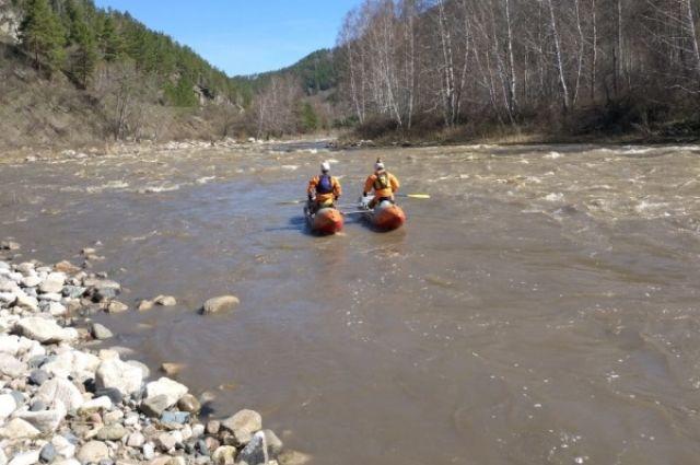 Туристка утонула во время сплава по реке на Алтае
