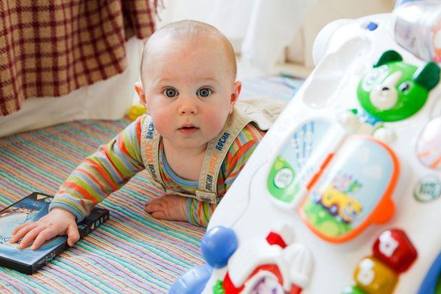 Малышам на радость. В России повысилось производство детских товаров