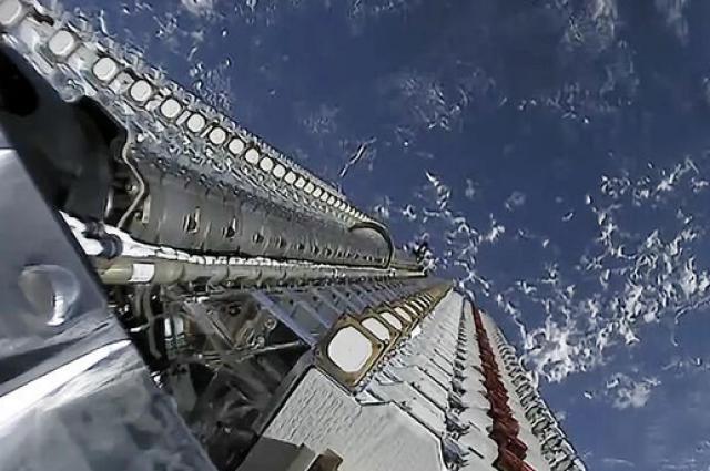 SpaceX успешно вывела на орбиту еще 60 спутников Starlink.
