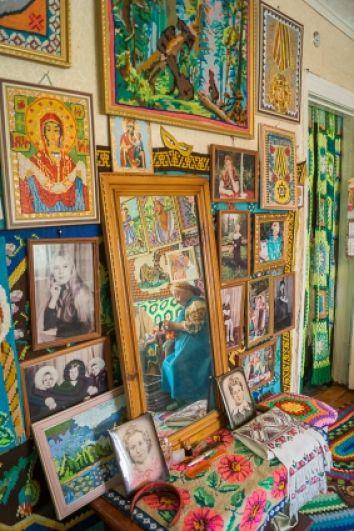 В коллекции и портреты, и иконы, и картины...
