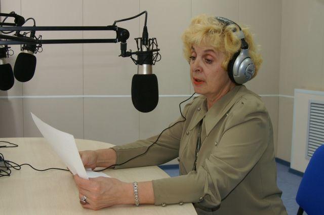 Людмила Базарова уже 50 лет в эфире.