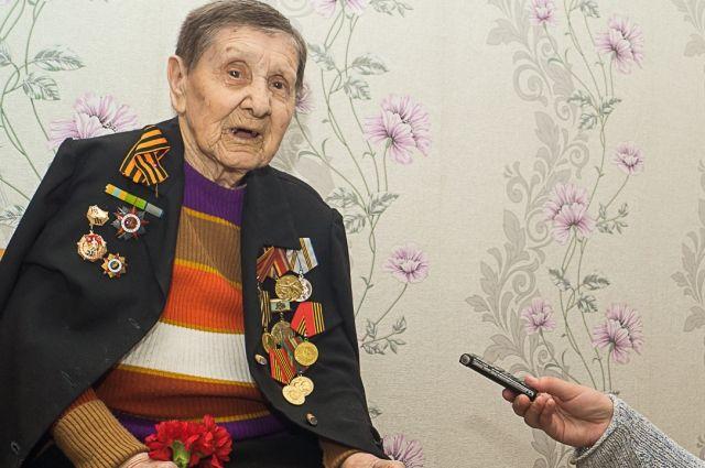 Любови Орловой 97 лет, а она до сих пор с удовольствием поёт.