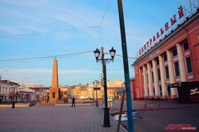 По главной площади прошли военные Восточного военного округа.