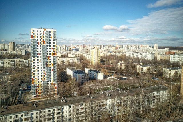 Жилой дом, построенный по программе реновации на севере Москвы.