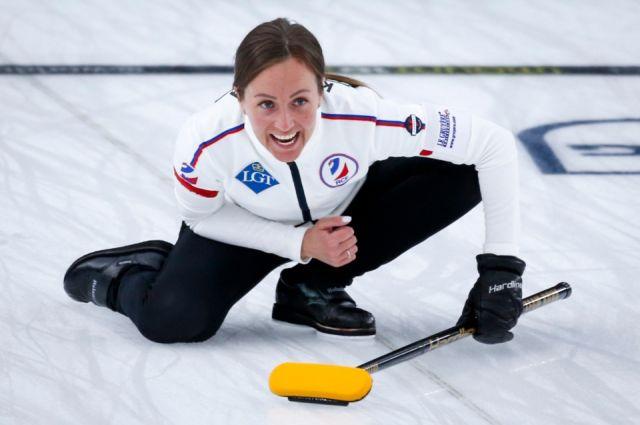 Женская сборная России по кёрлингу одержала 8-ю победу подряд на ЧМ-2021