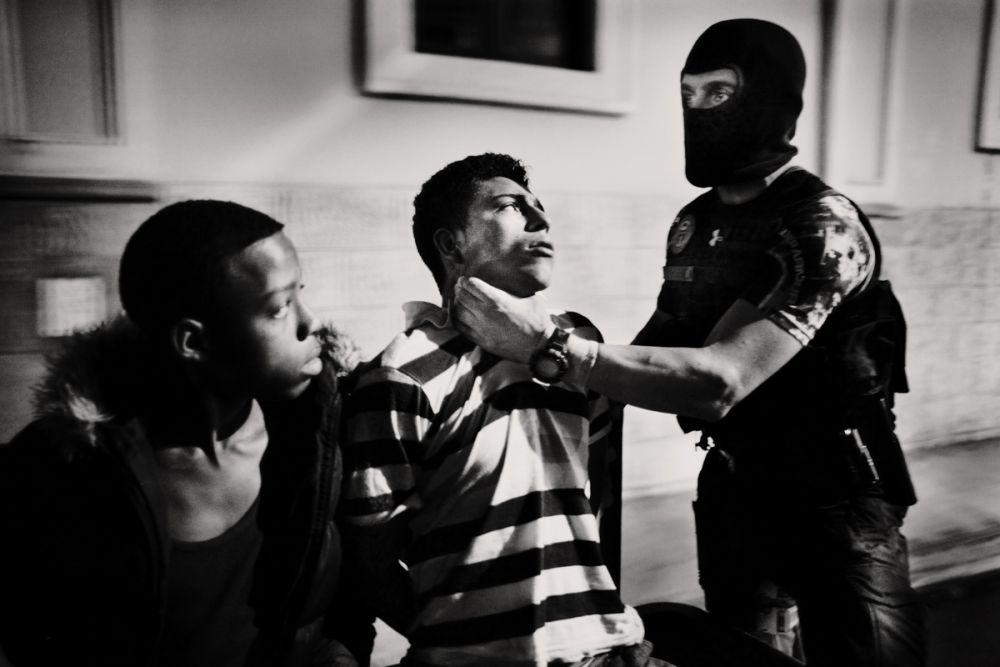 Четвертое место занял испанский фотограф Хавьер Арсенильяс за «Латиноамерику»