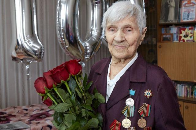 Участнице войны Марии Сухаревой исполнилось 100 лет.