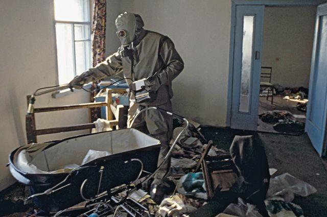Дезактивационные работы поснижению уровней радиоактивного загрязнения в30-ти километровой зоне после аварии наЧернобыльской АЭС.