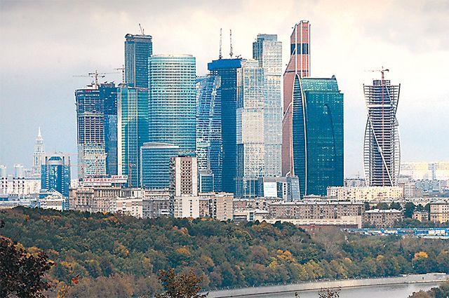Самая высокая выставка ко Дню Победы открывается в Москве