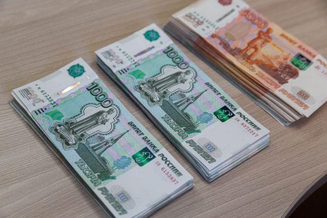 Жена должника по кредиту в Новосибирске сдала его приставам в сауне