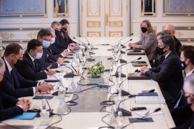 Зеленский: 2021 год будет фундаментальным в отношениях Украины и США