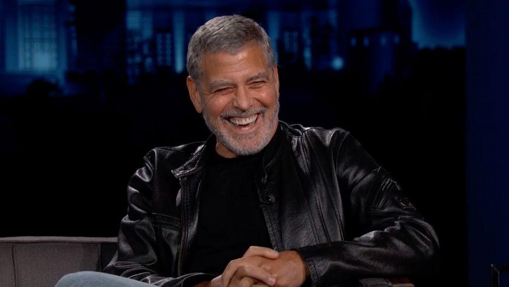 Джордж Клуни на съемках шоу Джимми Киммела (декабрь 2020 года)