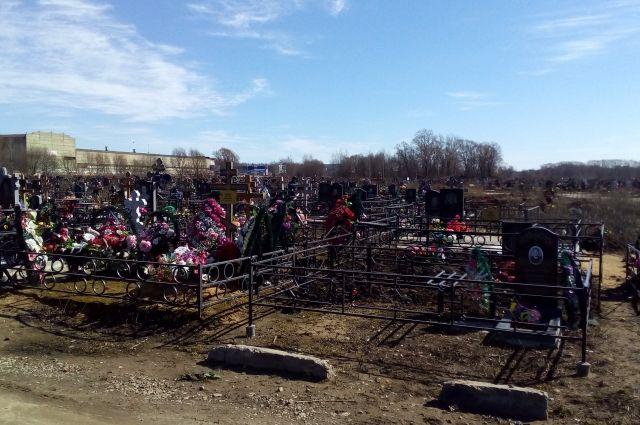 В начале мая в Ярославле затопило Осташинское кладбище