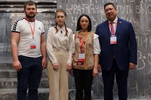Владимир Полетаев и участники конкурса.
