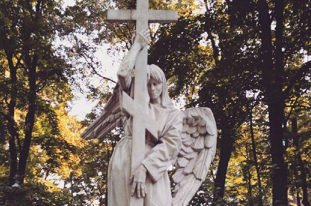 В Барнауле не будет бесплатной доставки к кладбищам на родительский день 11 мая.