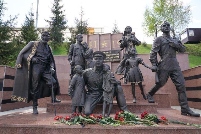 Глава Башкирии рассказал о своём любимом военном памятнике в Уфе