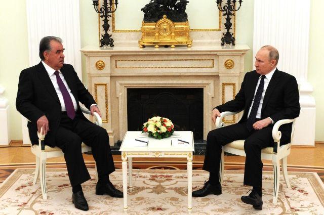 Путин обсудил с Рахмоном ситуацию в Афганистане и вопросы взаимодействия