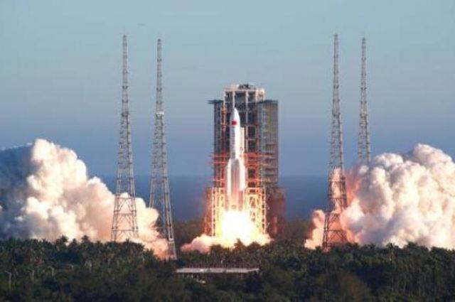 На Землю упала неконтролируемая китайская ракета.