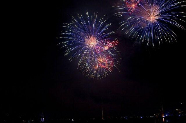 Фейерверк озарит ночное небо в Оренбурге в 22:00 на площади имени В.И. Ленина.