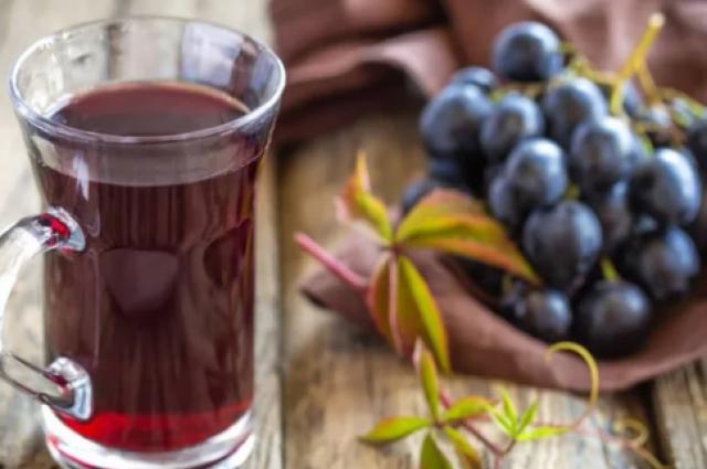 Виноградный сок: полезные свойства вкусного и полезного напитка