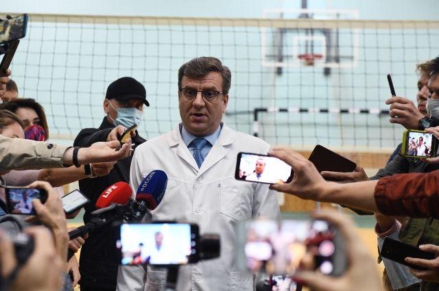 Глава минздрава Омской области Александр Мураховский