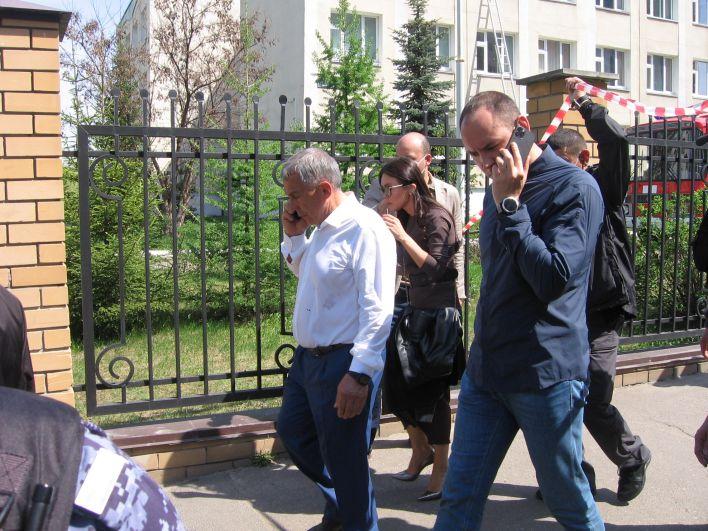 На место трагедии сразу же прибыл президент Татарстана Рустам Минниханов.