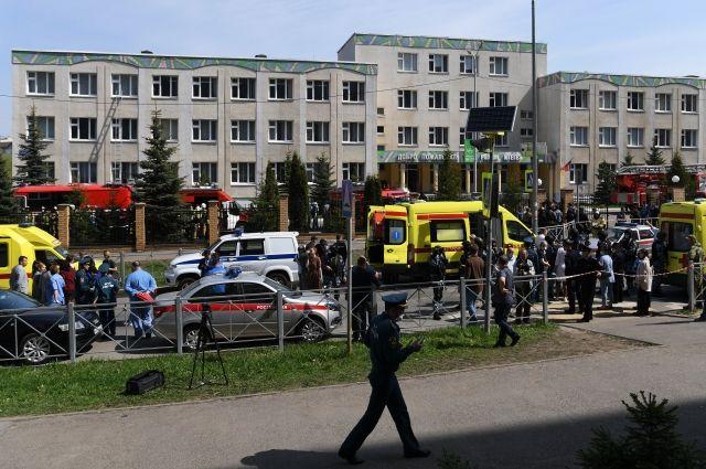 В сети появилось видео допроса напавшего на школу в Казани