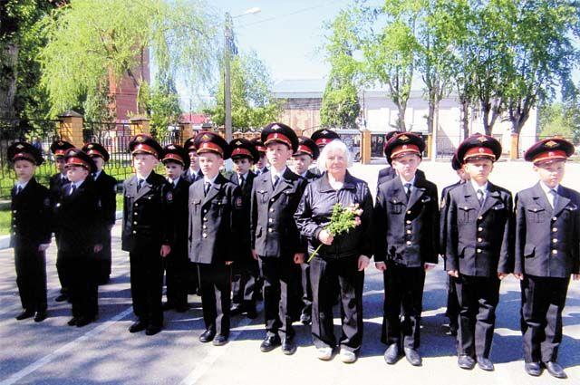 Лилия Васильевна Дерябина на встрече с кадетами.