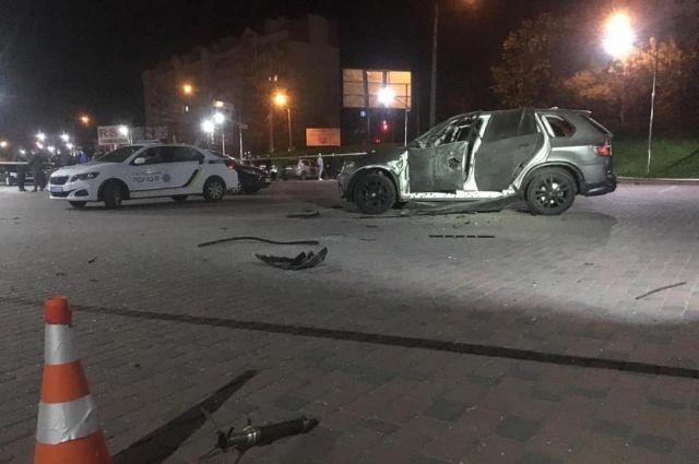 В центре Ивано-Франковска из гранатомета обстреляли автомобиль