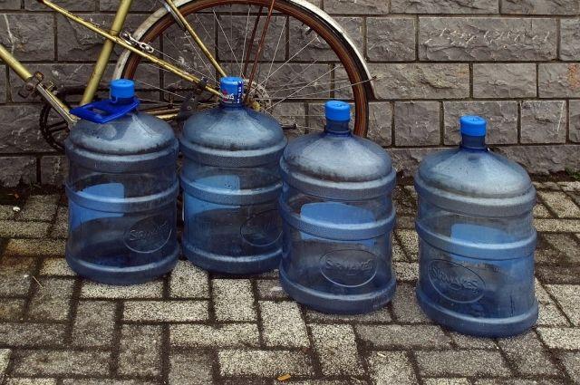 Еще четыре производителя воды исправили выявленные Роскачеством нарушения