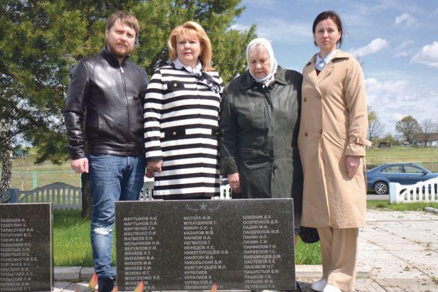Память о героях-фронтовиках объединяет их детей и внуков.