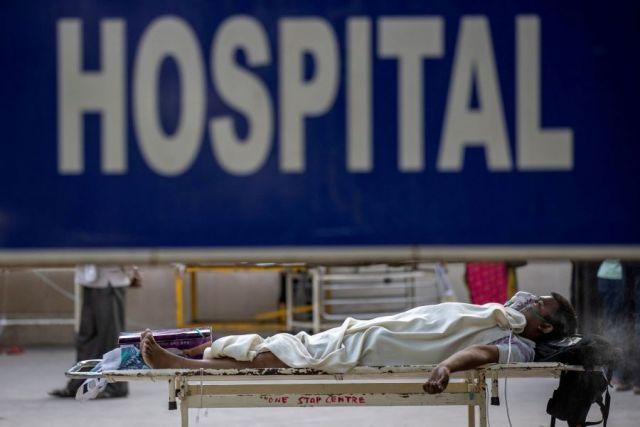 Власти Индии требуют прекратить сброс тел в реку Ганг