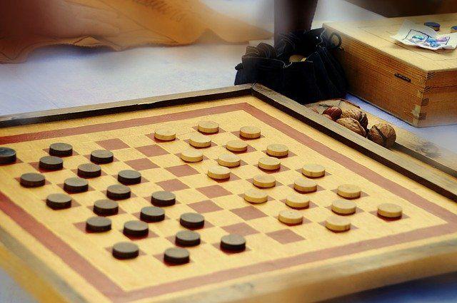 Жителей Уфы приглашают на сеанс одновременной игры в шашки с Тансыккужиной