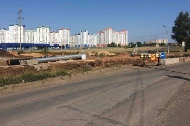 В Оренбурге стартовало строительство дороги на улице Рокоссовского стоимостью 168 млн рублей.