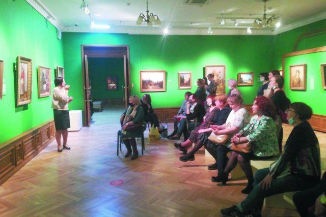 Посетители галереи заново открывают для себя великих художников.