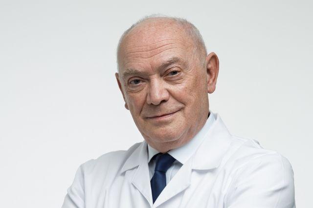 Доктор Румянцев призвал увеличить зарплату среднему и младшему медперсоналу