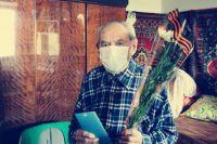 В Акбулаке от коронавируса вакцинировался 101-летний ветеран Великой Отечественной войны.