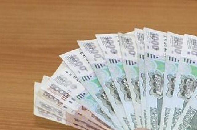 Продавец одежды за продажу контрафакта дал взятку полицейскому в Башкирии