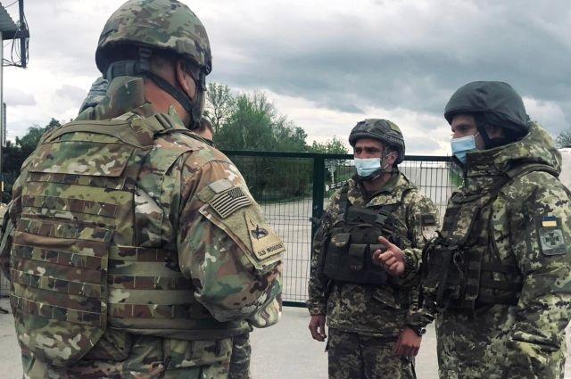 Военные дипломаты посольства США в Украине посетили Донбасс