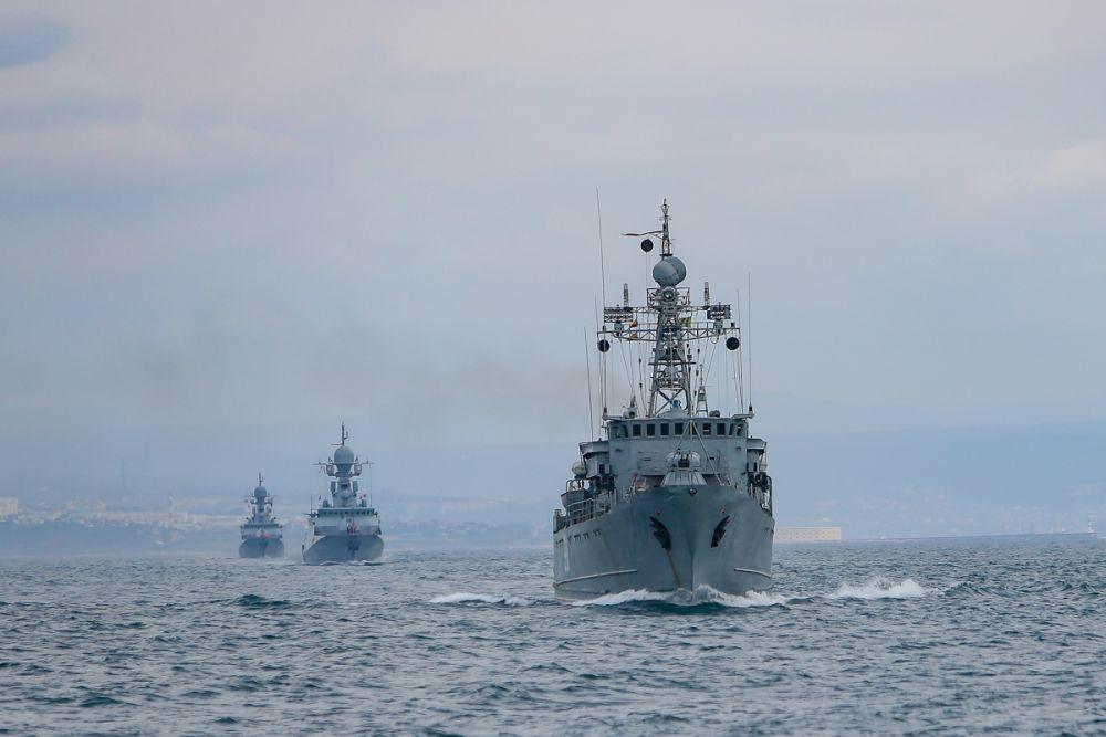 Отправление кораблей Черноморского флота на отработку задач в Черном море (14 апреля 2021 года)
