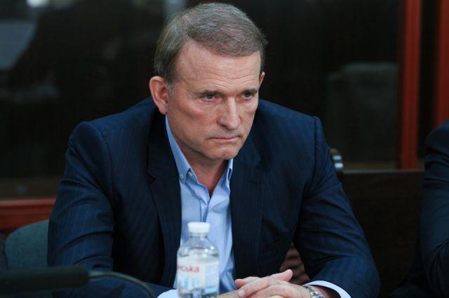 Виктор Медведчук на заседании Печерского суда Киева, где рассматривается ходатайство следствия об избрании ему меры пресечения.