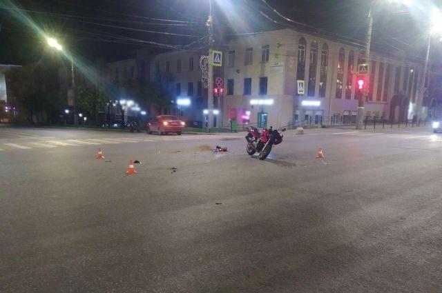 Водитель и пассажирка мотоцикла пострадали в ДТП в Ижевске