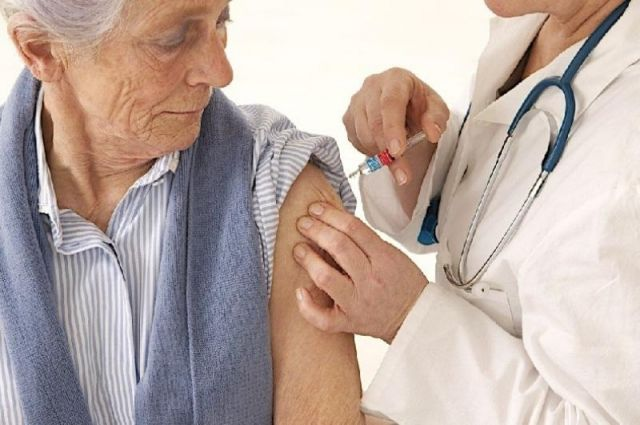 За минувшие сутки в Украине вакцинировали от коронавируса 21 587 человек