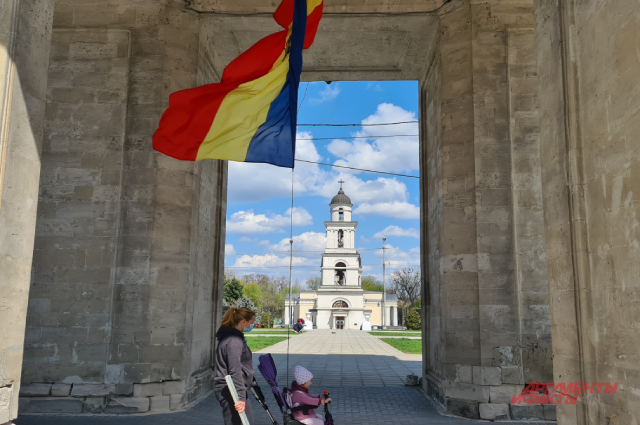 Бардак и слух о трупах. Не получив вакцину от ЕС, Молдавия ждёт Спутник V