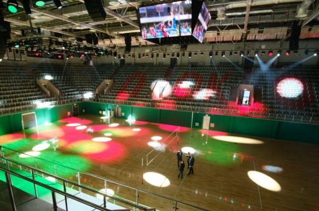 По словам градоначальника, дети смогут заниматься спортом в новом волейбольном центре.