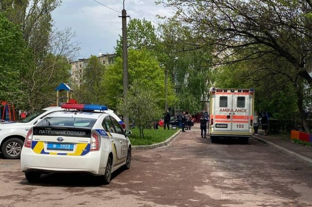 Полиция застрелила мужчину с ножами в Чернигове: прокуратура возбудила дело