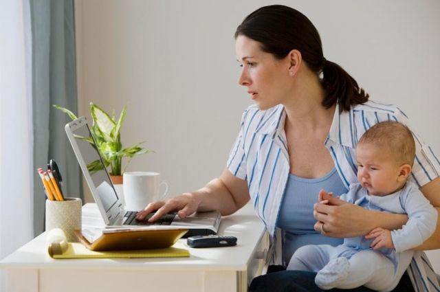 Освоить новую профессию могут и «декретные» мамочки.