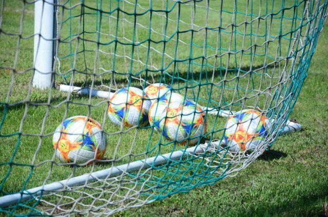 Начало футбольного матча в Уфе перенесли из-за аномальной жары