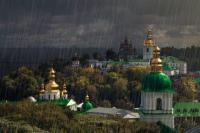 В Украине объявлено штормовое предупреждение: ожидаются грозы и град.