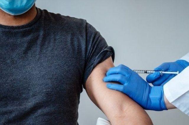 Вакцинация в Украине: за минувшие сутки привили более двух тысяч человек